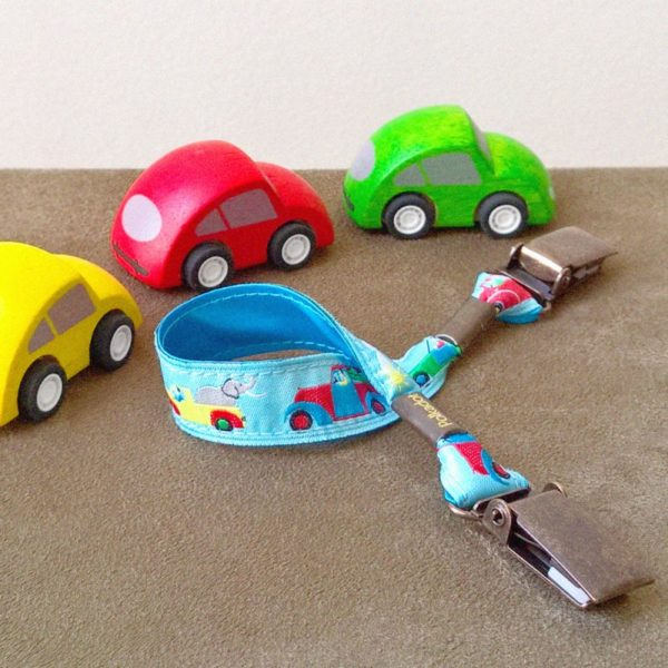 attache-doudou-serviette-voiture-2