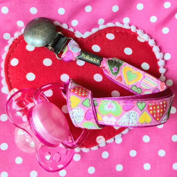 attache-tetine-coeur-rose