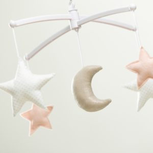 mobile musical lune et étoiles nude argent