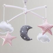 mobile-lune-et-etoiles-rose-pastel-et-gris